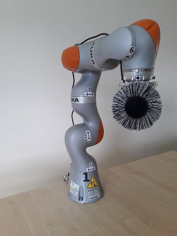 robot KUKA LBR